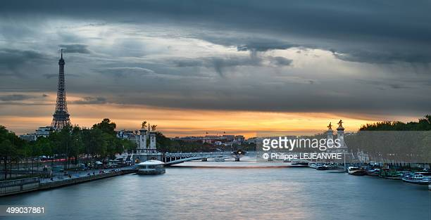 CONTENT] ParisEiffel tower and_Alexandre III bridge at sunset