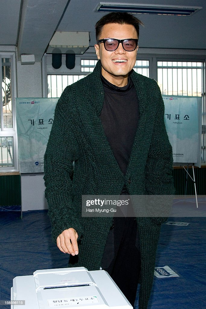 <a gi-track='captionPersonalityLinkClicked' href=/galleries/search?phrase=Park+Jin-Young&family=editorial&specificpeople=7413347 ng-click='$event.stopPropagation()'>Park Jin-Young</a> aka J.Y. Park or JYP casts his ballot for the presidential election at a polling station on December 19, 2012 in Seoul, South Korea. Ruling Seanuri Party candidate Park Geun-Hye and opposition Democratic United candidate Party Moon Jae-In have been locked in a close race with each other during the election campaign.