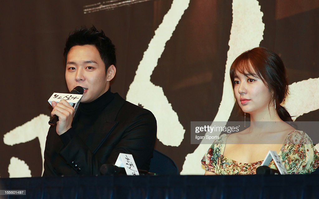 Park Yoo-Chun and Yoon Eun-Hye attend the MBC Drama 'Missing You' Press Conference at lotte hotel on November 1, 2012 in Seoul, South Korea.