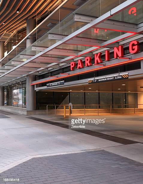 Parkgarage mit modernen high-tech-look