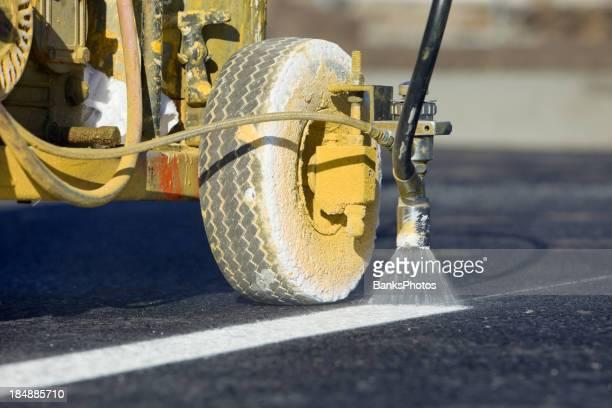 Estacionamiento Tira de pintura en nueva asfalto
