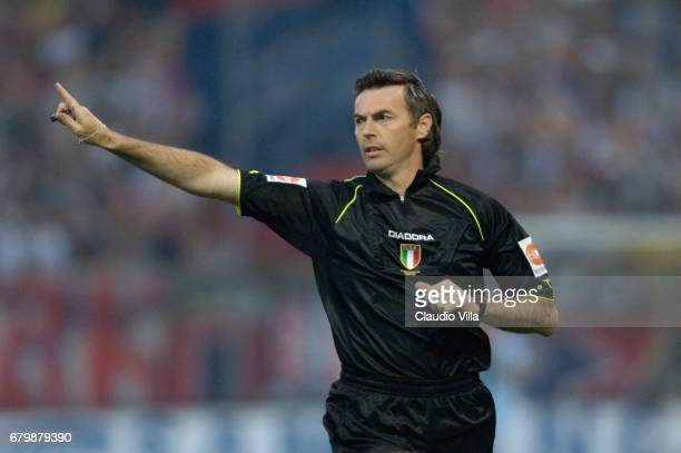 REFEREE FARINA in action during the Serie A playoff first leg match between Parma vs Bologna played at the 'Ennio Tardini' stadium in Parma Photo