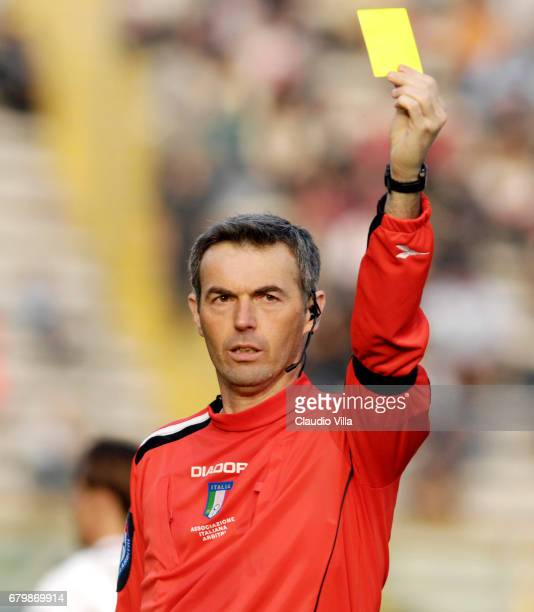 REFEREE Stefano FARINA reacts in during the Serie A 2006/2007 26th round match between Parma and Reggina played at the 'Ennio Tardini' stadium in...