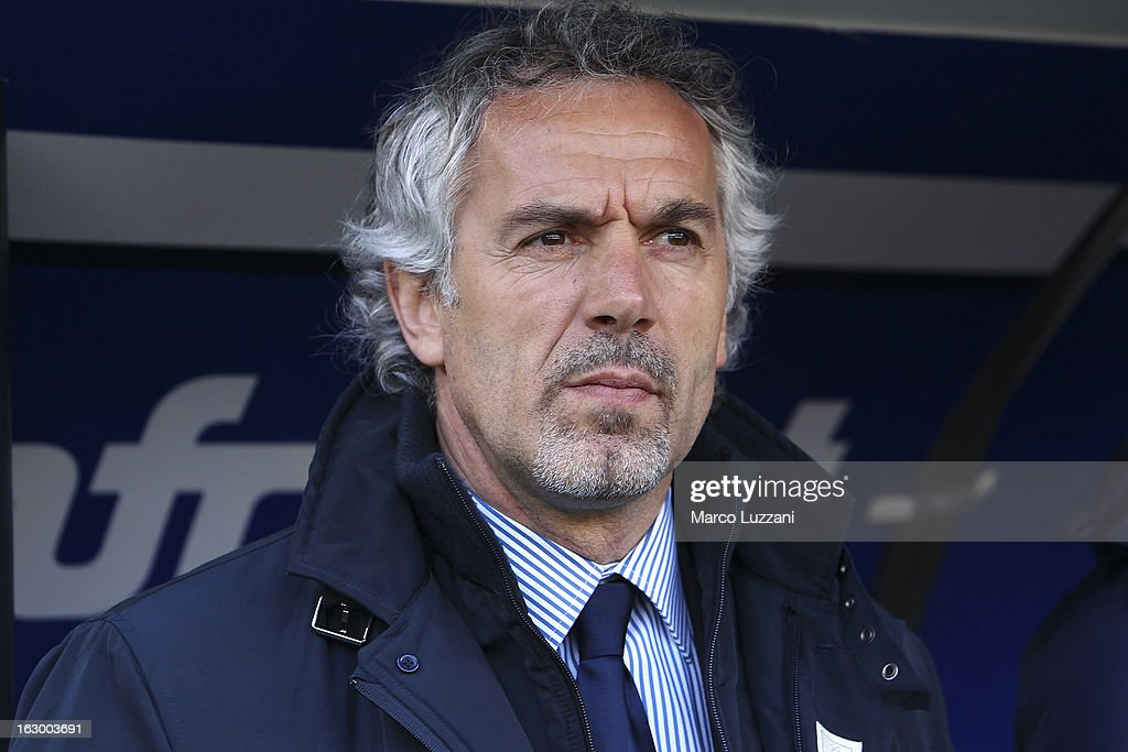 Parma FC manager <a gi-track='captionPersonalityLinkClicked' href=/galleries/search?phrase=Roberto+Donadoni&family=editorial&specificpeople=654860 ng-click='$event.stopPropagation()'>Roberto Donadoni</a> looks on before the Serie A match between UC Sampdoria and Parma FC at Stadio Luigi Ferraris on March 3, 2013 in Genoa, Italy.