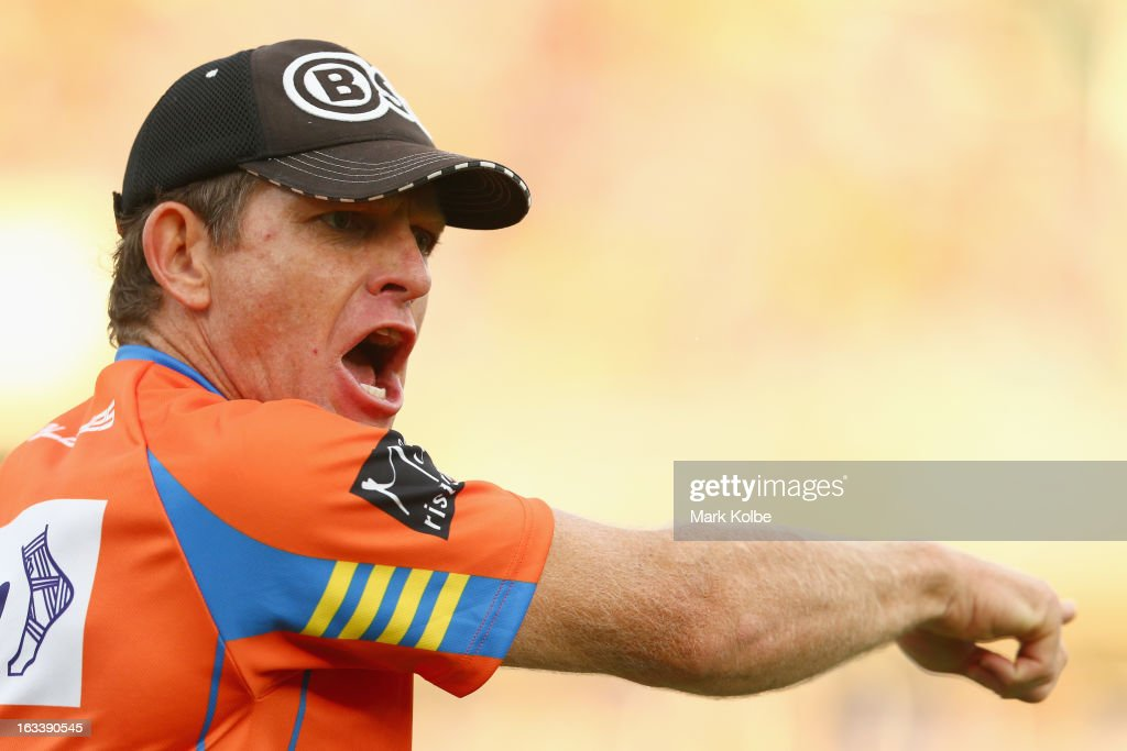 Parramatta trainer Trent Elkin shouts instructions during the round one NRL match between the Parramatta Eels and the Warriors at Parramatta Stadium on March 9, 2013 in Sydney, Australia.