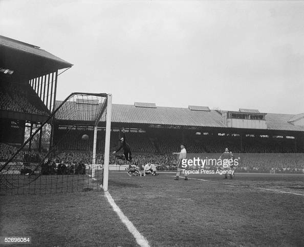 Parsons the Chelsea outsideright scores a goal against Sheffield Wednesday during a match at Stamford Bridge 23rd April 1955 Chelsea's victory...