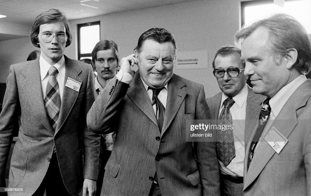 24 CDU Parteitag Im Foto Franz Josef Strauß vor der Abfahrt