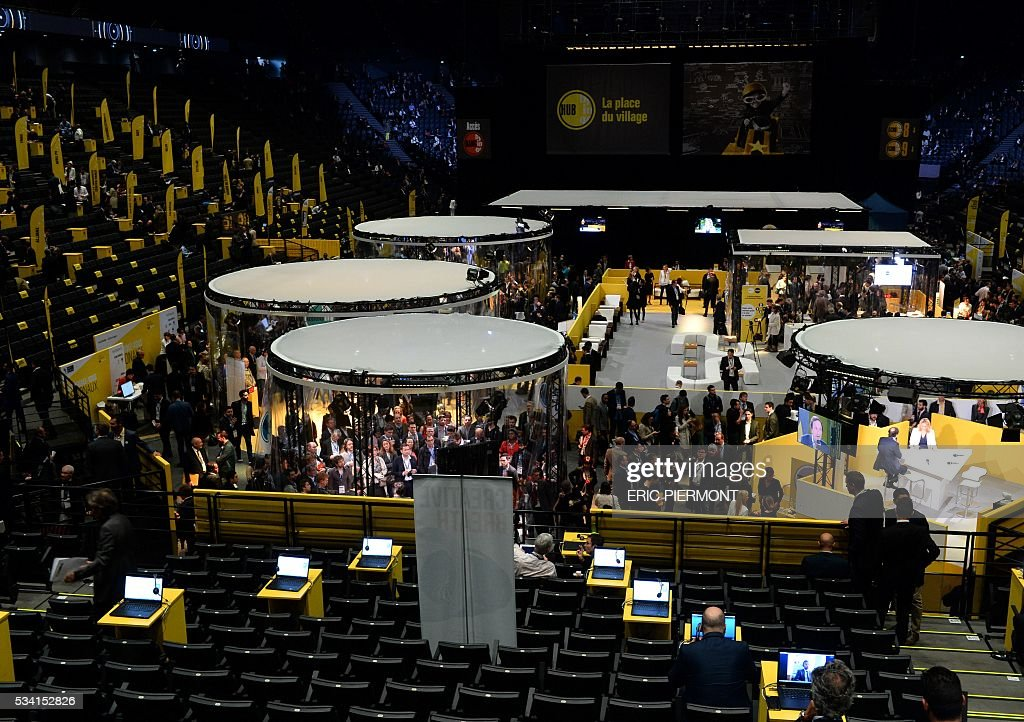 Participants attend France's Public Investment Bank Banque Publique d'Investissement (BPI Bpifrance) entrepreneurship event 'Bpifrance Inno Generation' at the AccorHotels Arena in Paris on May 25, 2016. / AFP / ERIC