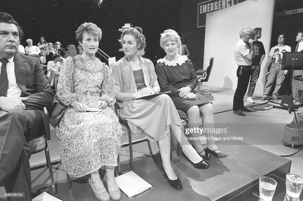 Participants on The Late Late Show where a special show devoted for debate on the Divorce Referendum took place 20/6/86 Photographer Frank McGrath Jnr