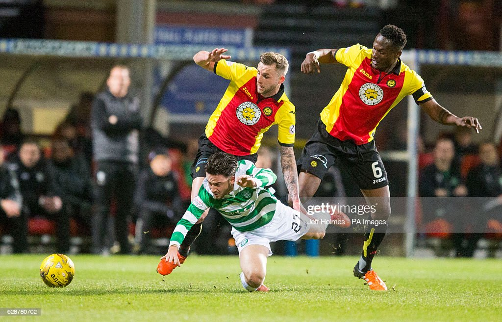 Partick Thistle's Christie Elliot (left) and Abdul Osman (right) battle with Celtic's Patrick Roberts during the Ladbrokes Scottish Premiership match at Firhill Stadium, Glasgow.