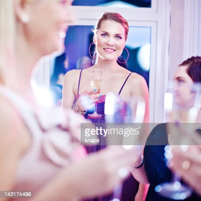 Party celebrating with champagne : Stockfoto