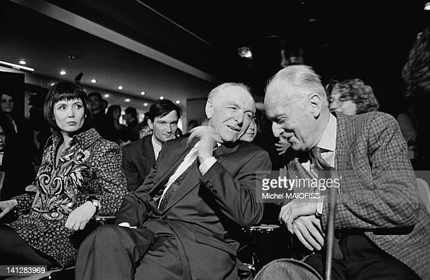 Party for photographer Robert Doisneau's 80th birthday at the Fnac in Paris with actress Sabine Azema on April 9 1992 in Paris France