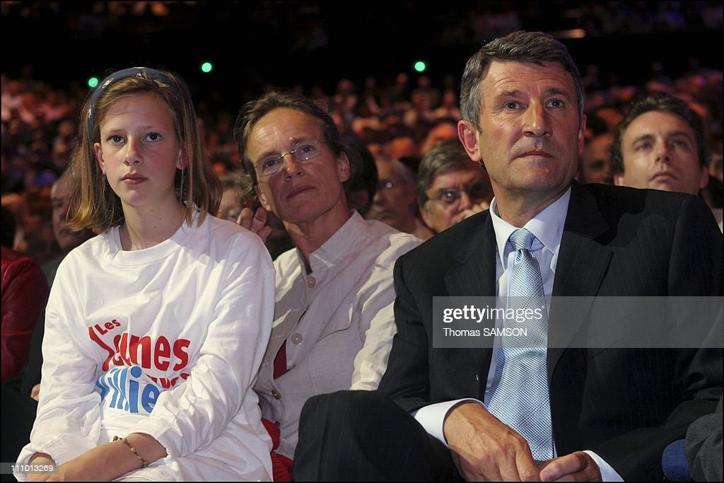 MPF party leader <a gi-track='captionPersonalityLinkClicked' href=/galleries/search?phrase=Philippe+de+Villiers&family=editorial&specificpeople=602682 ng-click='$event.stopPropagation()'>Philippe de Villiers</a> presides over meeting to support the no vote in the European constitution referendum at the Palais des Sports/Porte de Versailles in Paris, France.