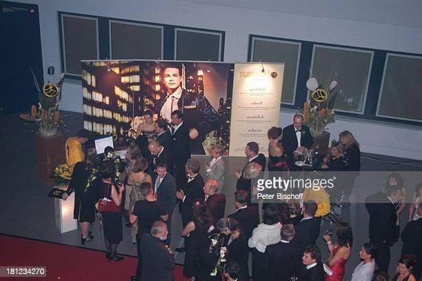 PartyGäste AftershowParty nach Verleihung 'Deutscher Fernsehpreis 2004' Köln 'ColoneumMall' 'Fleurop'Blumenstand Feier Promis Prominente Prominenter