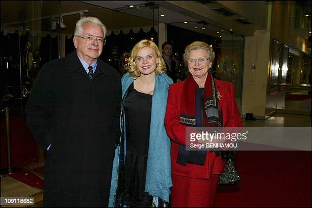 'Pas Sur La Bouche' Premiere On November 24 2003 In Paris France Isabelle Nanty And Their Parents