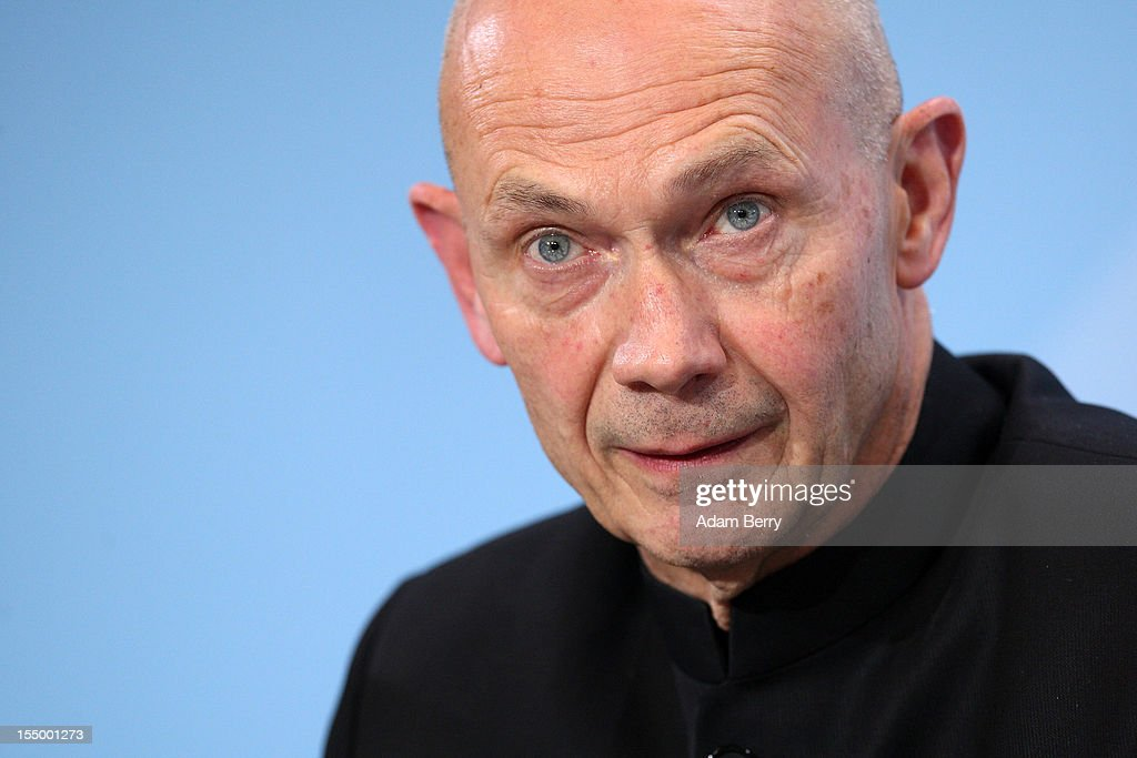 Pascal Lamy, director-general of the World Trade Organization (WTO), speaks at a news conference after a meeting on October 30, 2012 at the German federal chancellery in Berlin, Germany. German Chancellor Angela Merkel met with the heads of five international financial and economic bodies to discuss the global economic outlook as well as the situation in Europe in particular, concentrating on policies to improve competitiveness, trade and development.