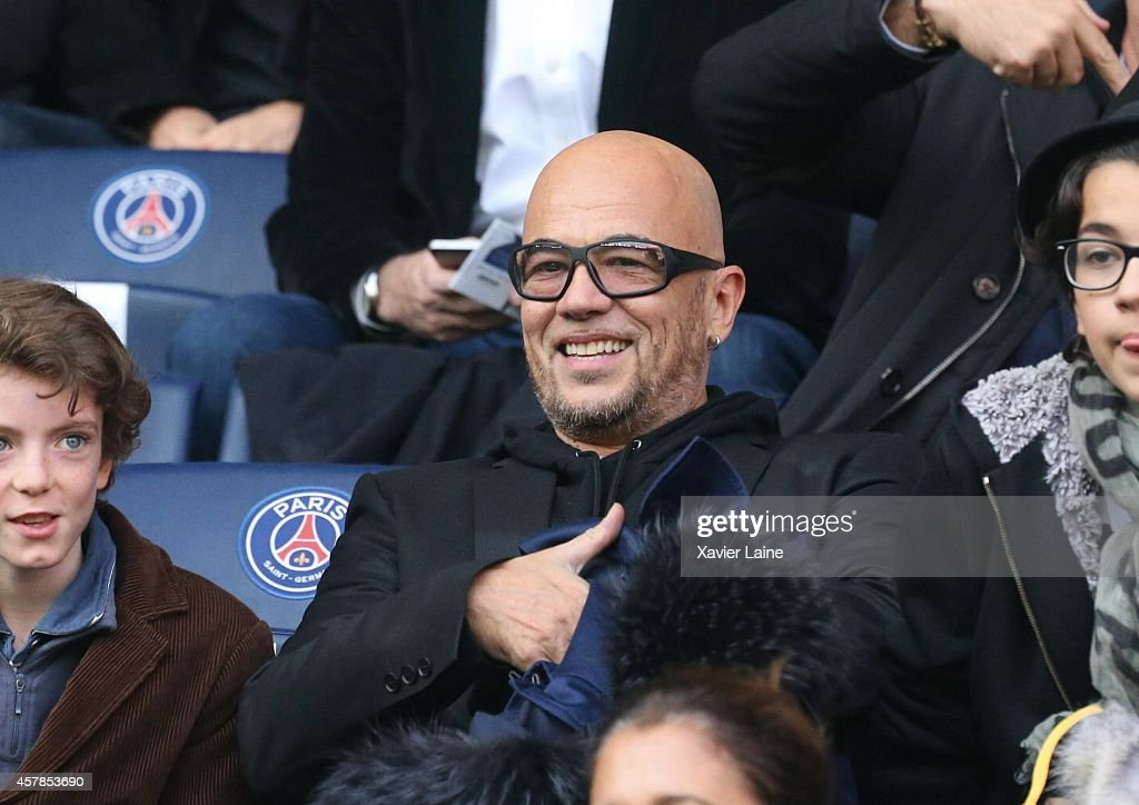 <a gi-track='captionPersonalityLinkClicked' href=/galleries/search?phrase=Pascal+Obispo&family=editorial&specificpeople=549855 ng-click='$event.stopPropagation()'>Pascal Obispo</a> attends the French Ligue 1 between Paris Saint-Germain and Girondins de Bordeaux at Parc Des Princes on October 25, 2014 in Paris, France.