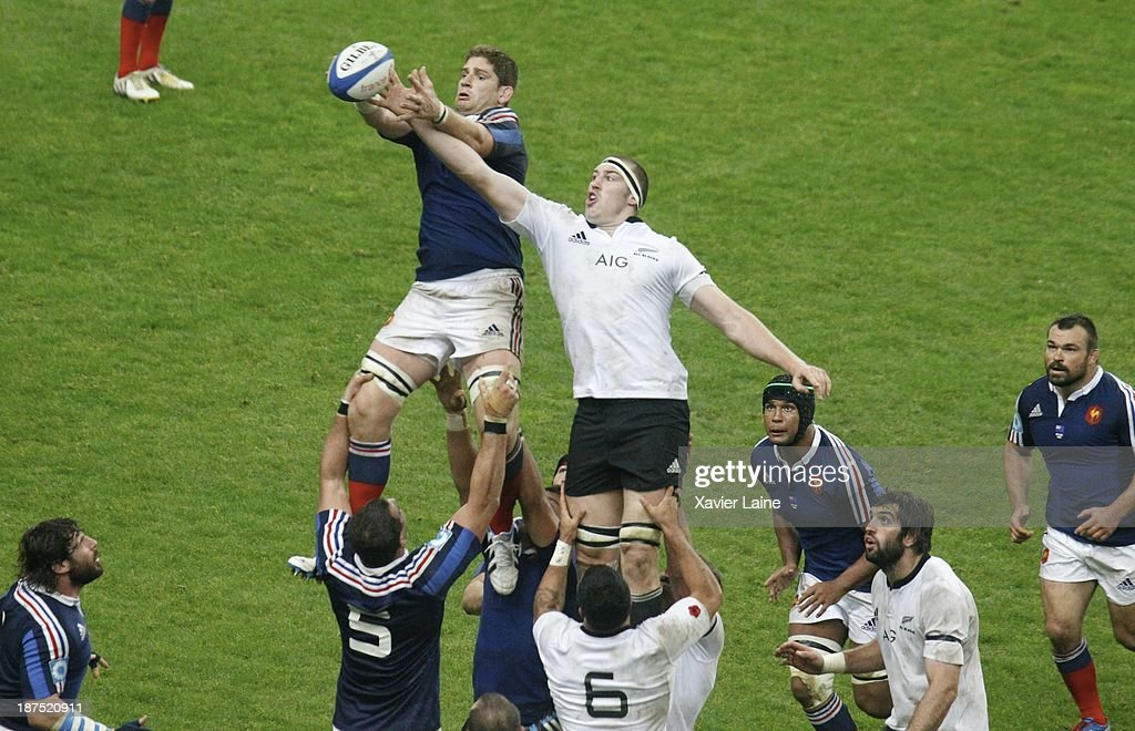 Pascal Pape of France catch the ball during the international test match between France and the New Zealand All Blacks at Stade de France on November 9, 2013 in Paris, France.
