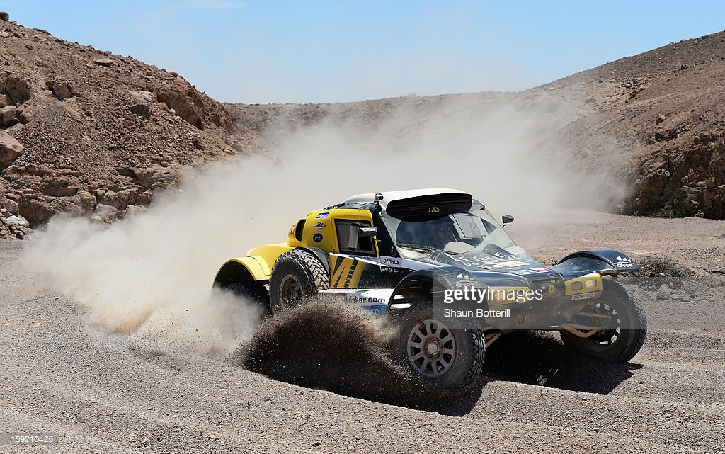 Pascal Thomasse and co-pilot Pascal Larroque of team Buggy MD Rallye compete in stage 5 from Arequipa to Arica during the 2013 Dakar Rally on January 9, 2013 in Arequipa, Peru.