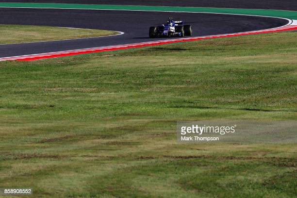 Pascal Wehrlein of Germany driving the Sauber F1 Team Sauber C36 Ferrari on track during the Formula One Grand Prix of Japan at Suzuka Circuit on...