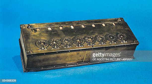 Pascal's calculator mechanical calculator invented by Blaise Pascal in ca 1645 France 17th century Paris Conservatoire Des Arts Et Métiers