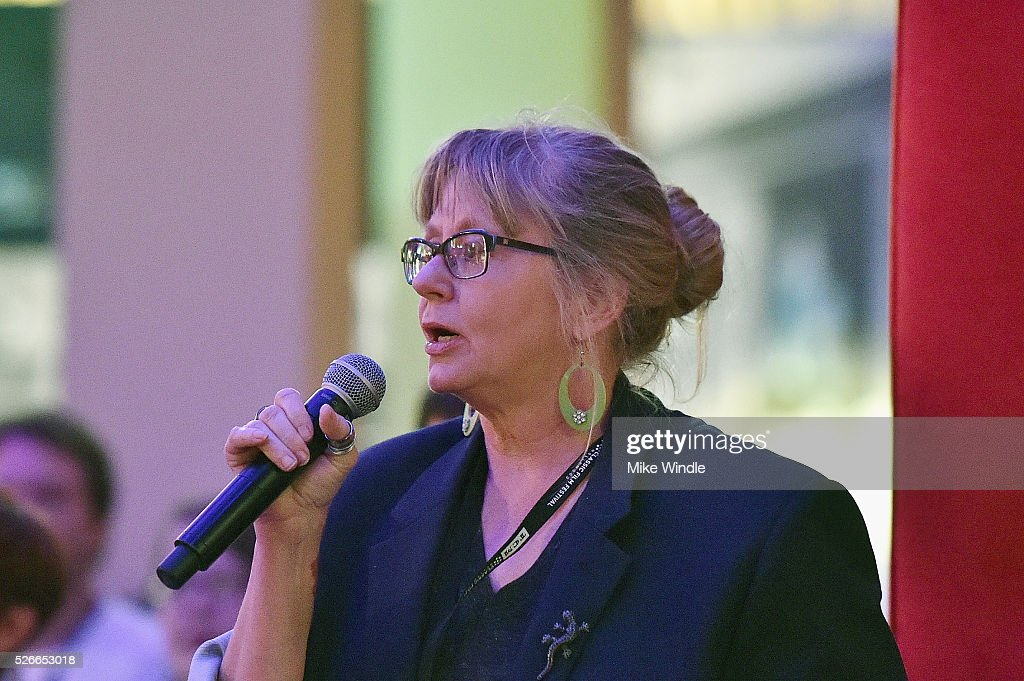 Pass holder asks a question at 'A conversation with Elliot Gould' during day 3 of the TCM Classic Film Festival 2016 on April 30, 2016 in Los Angeles, California. 25826_008