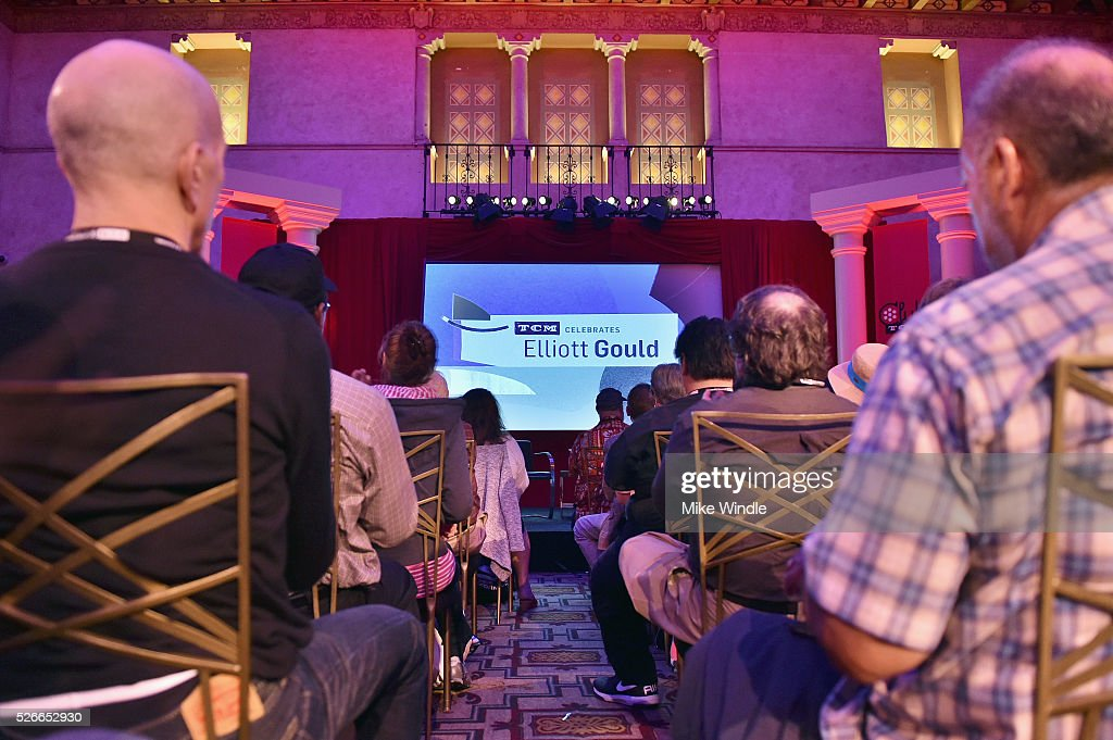Pass holders attend 'A conversation with Elliot Gould' during day 3 of the TCM Classic Film Festival 2016 on April 30, 2016 in Los Angeles, California. 25826_008