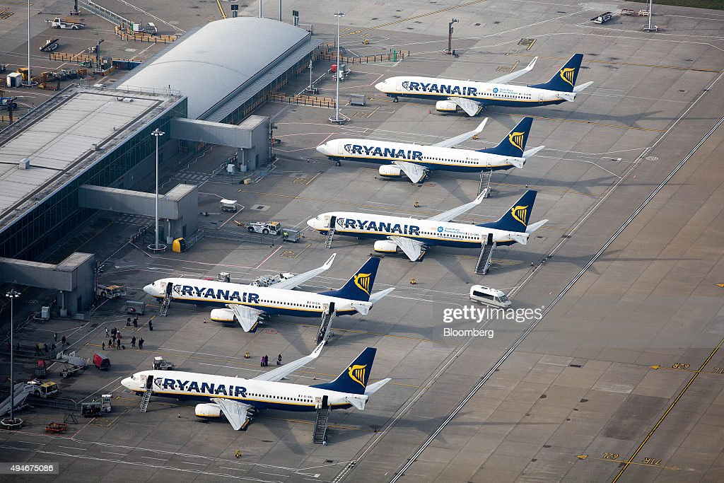 the story of ryanair holdings plc Fundamentals for ryanair holdings  activites, ryanair holdings plc operates a  low fares airline business and plans to  ryanair holdings dividend history.