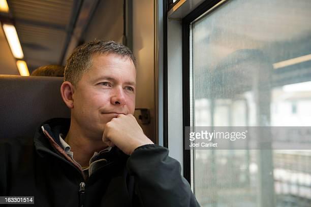 Passagier auf einer europäischen Eisenbahn