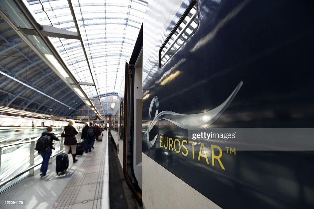 Passengers alight a Eurostar train from France at St Pancras International station in London on October 31 2012 AFP PHOTO / JUSTIN TALLIS