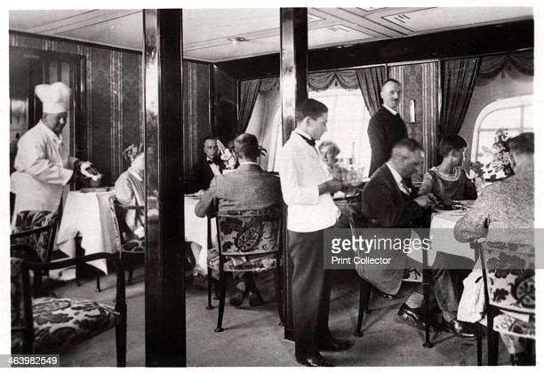 Passengers' dining room Zeppelin LZ 127 'Graf Zeppelin' 1933 The 'Graf Zeppelin' was the most successful airship ever built Between its first flight...
