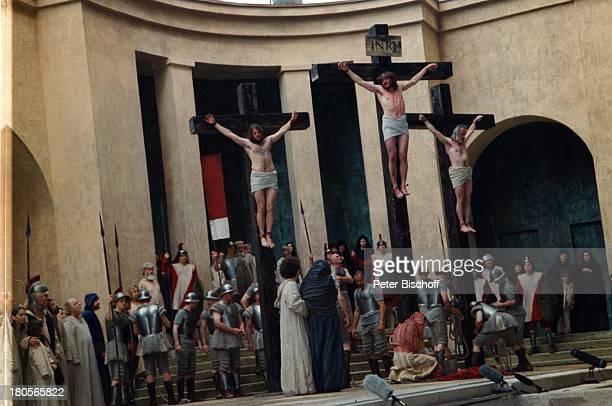Passionsfestspiele Oberammergau 'Jesus' MitspielerStatisten Bühne Auftritt ' DieKreuzigung'