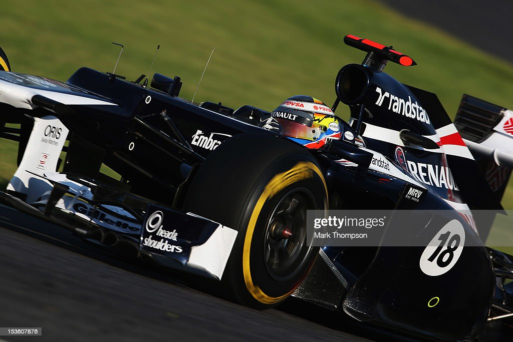 Pastor Maldonado of Venezuela and Williams drives during the Japanese Formula One Grand Prix at the Suzuka Circuit on October 7, 2012 in Suzuka, Japan.