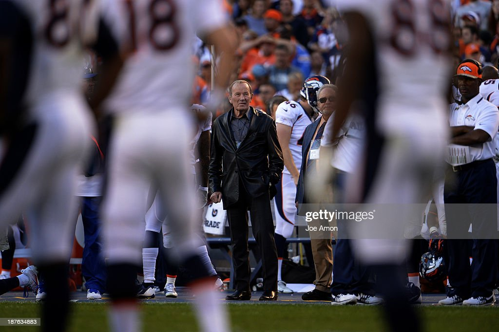 <a gi-track='captionPersonalityLinkClicked' href=/galleries/search?phrase=Pat+Bowlen&family=editorial&specificpeople=749424 ng-click='$event.stopPropagation()'>Pat Bowlen</a> watching his team late in the 4th quarter as the Denver Broncos vs the San Diego Chargers at Qualcomm Stadium November 10, 2013 San Diego, CA.