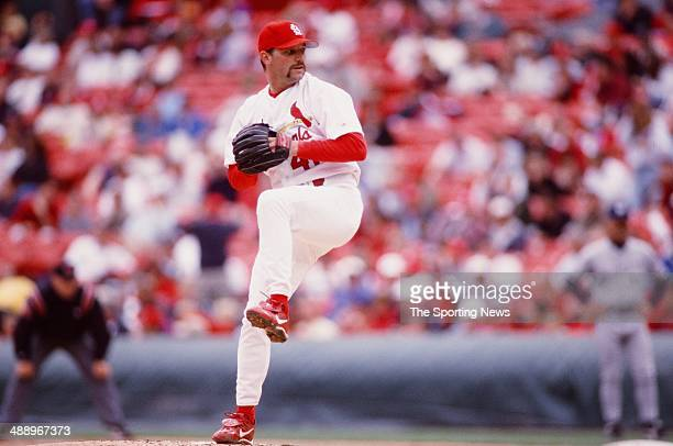 Pat Hentgen of the St Louis Cardinals pitches against the Milwaukee Brewers at Busch Stadium on April 27 2000 in St Louis Missouri The Brewers...