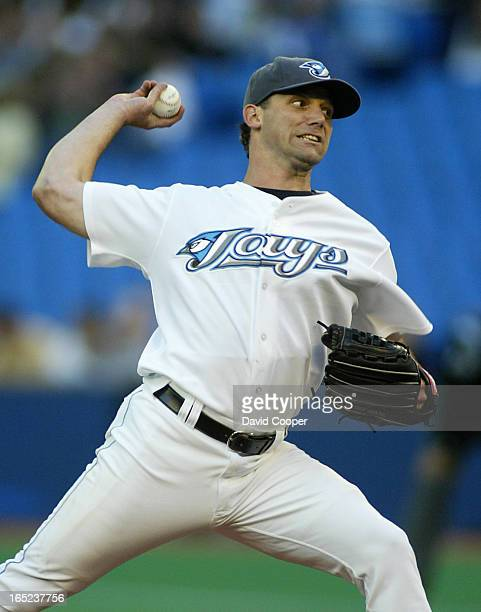 Pat Hentgen pitching for the The Toronto Blue Jays against the Arizona Diamondbacks at SkyDome Friday night Hentgen went 7 shut out innings allowing...