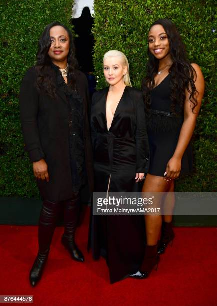 Pat Houston Christina Aguilera and Rayah Houston attend the 2017 American Music Awards at Microsoft Theater on November 19 2017 in Los Angeles...