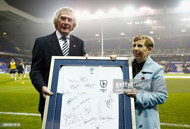 Pat Jennings attends a Hotspur Hero presentation prior to the Barclays Premier League match between Tottenham Hotspur and Aston Villa at White Hart...