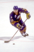 Pat LaFontaine of the Buffalo Sabres skates with the puck during a hockey game against the Washington Capitals on October 16 1993 at USAir Arena in...