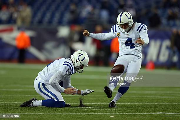 Pat McAfee and Adam Vinatieri of the Indianapolis Colts warm up before the 2015 AFC Championship Game against the New England Patriots at Gillette...
