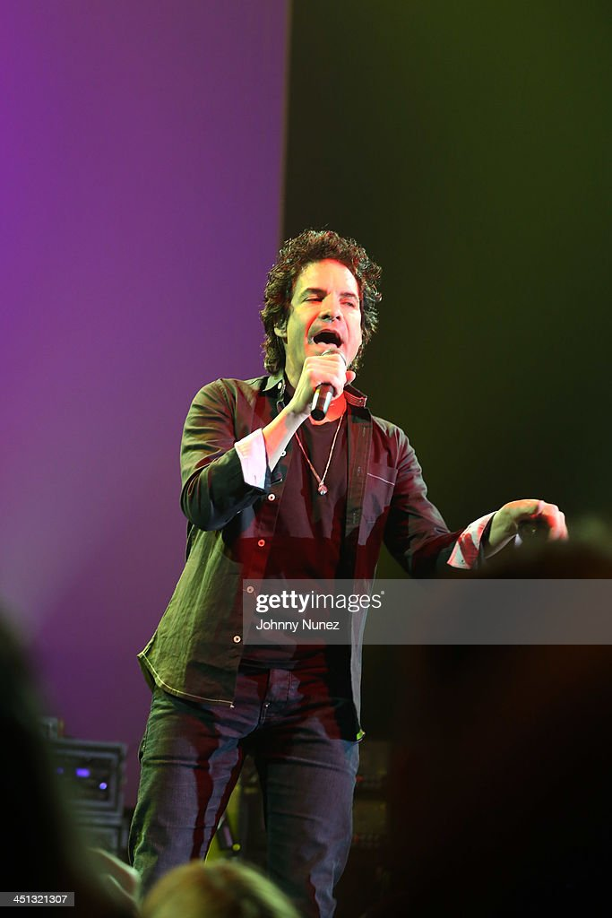 Pat Monahan of Train performs during the 16th Annual Samuel Waxman Cancer Research Foundation Collaborating For A Cure Benefit Dinner & Auction at Park Avenue Armory on November 21, 2013 in New York City.