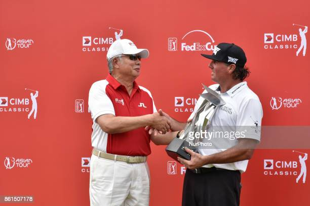 Pat Perez of USA pictured with Malaysia's Prime Minister Najib Razak after he won the CIMB Classic 2017 on October 15 2017 at TPC Kuala Lumpur...