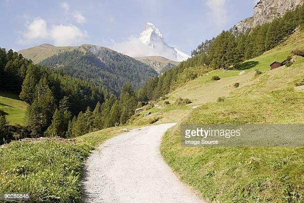 Path through fields and matterhorn
