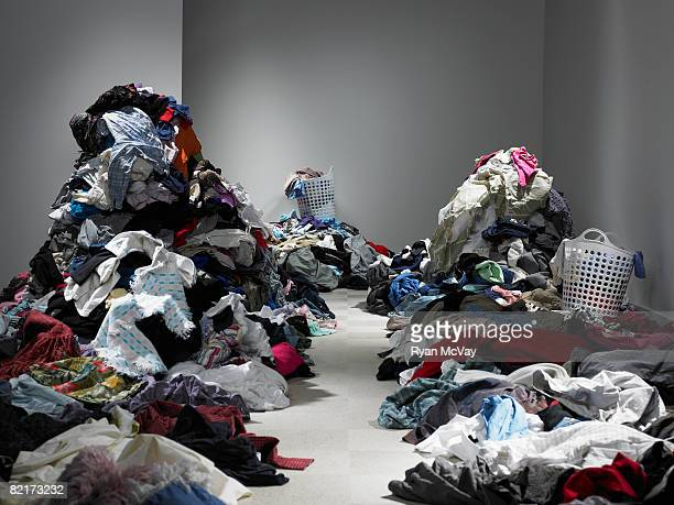 Weg durch mehrere Kleidung und Wäscherei