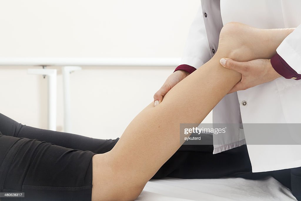 Patient doing some special exercises : Stockfoto