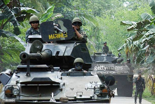 Philippine Marines armor vhicle are deployed in Patikul in southern Jolo island 14 September 2006 as part of the massive military operations...