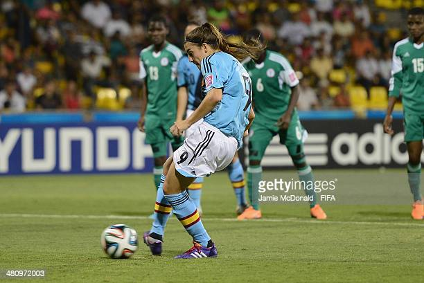Patri Guijarro of Spain scores her goal during the FIFA U17 Women's World Cup Quarter Final match between Nigeria and Spain at Edgardo Baltodano...