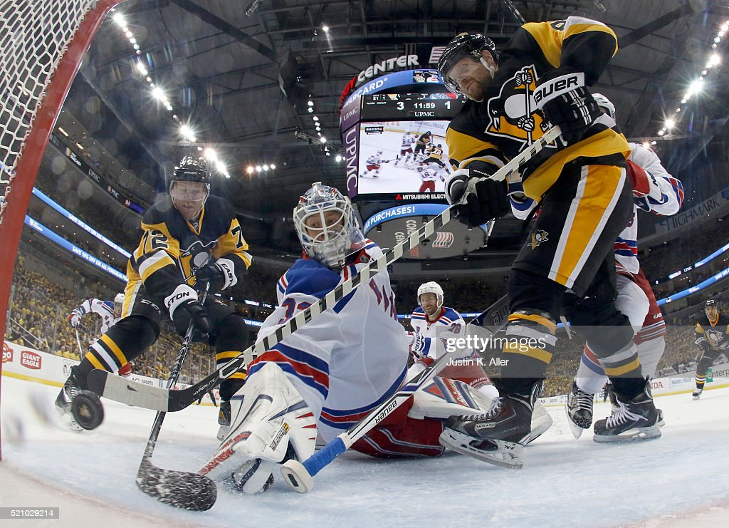 Patric Hornqvist #72 of the Pittsburgh Penguins scores past Antti Raanta #32 of the New York Rangers in Game One of the Eastern Conference Quarterfinals during the 2016 NHL Stanley Cup Playoffs at Consol Energy Center on April 13, 2016 in Pittsburgh, Pennsylvania.