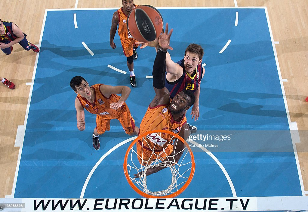 Patric Young, #4 of Galatasaray Liv Hospital Istanbul competes with Tibor Pleiss, #21 of FC Barcelona during the Turkish Airlines Euroleague Basketball Top 16 Date 7 game between FC Barcelona v Galatasaray Liv Hospital Istanbul at Palau Blaugrana on February 12, 2015 in Barcelona, Spain.