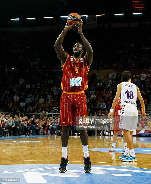 Patric Young #4 of Galatasaray Liv Hospital Istanbul in action during the 20142015 Turkish Airlines Euroleague Basketball Regular Season Date 8 game...